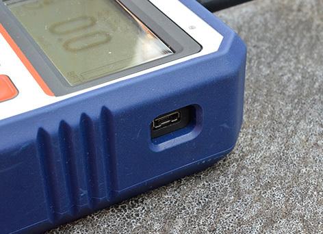 WR3 Plus Receiver Micro-USB Slot